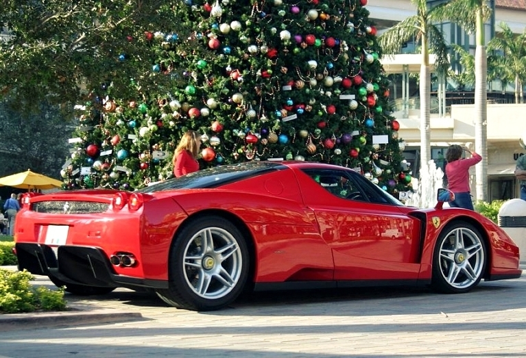 Santa claus wears red too for Ferrari christmas