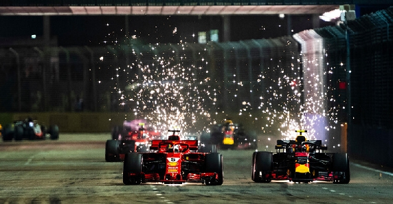 Singapore GP 2018: Hamilton stole the show, as the red cars struggled!